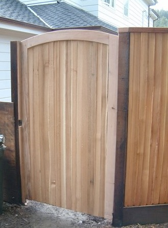 CEDAR SPLIT RAIL GATE