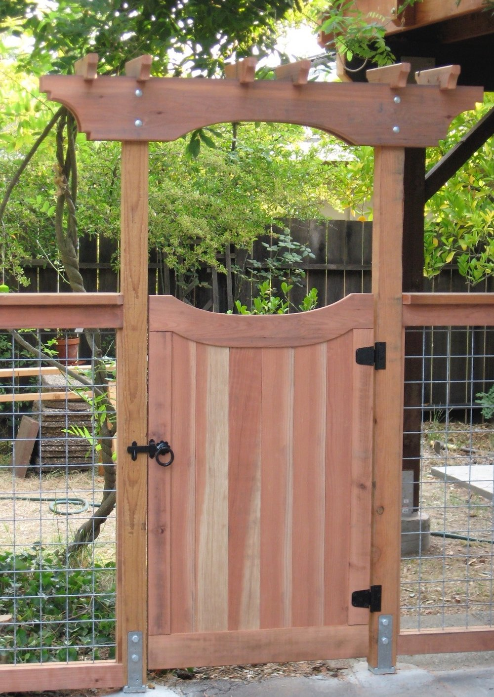 REDWOOD SIDE YARD GATE