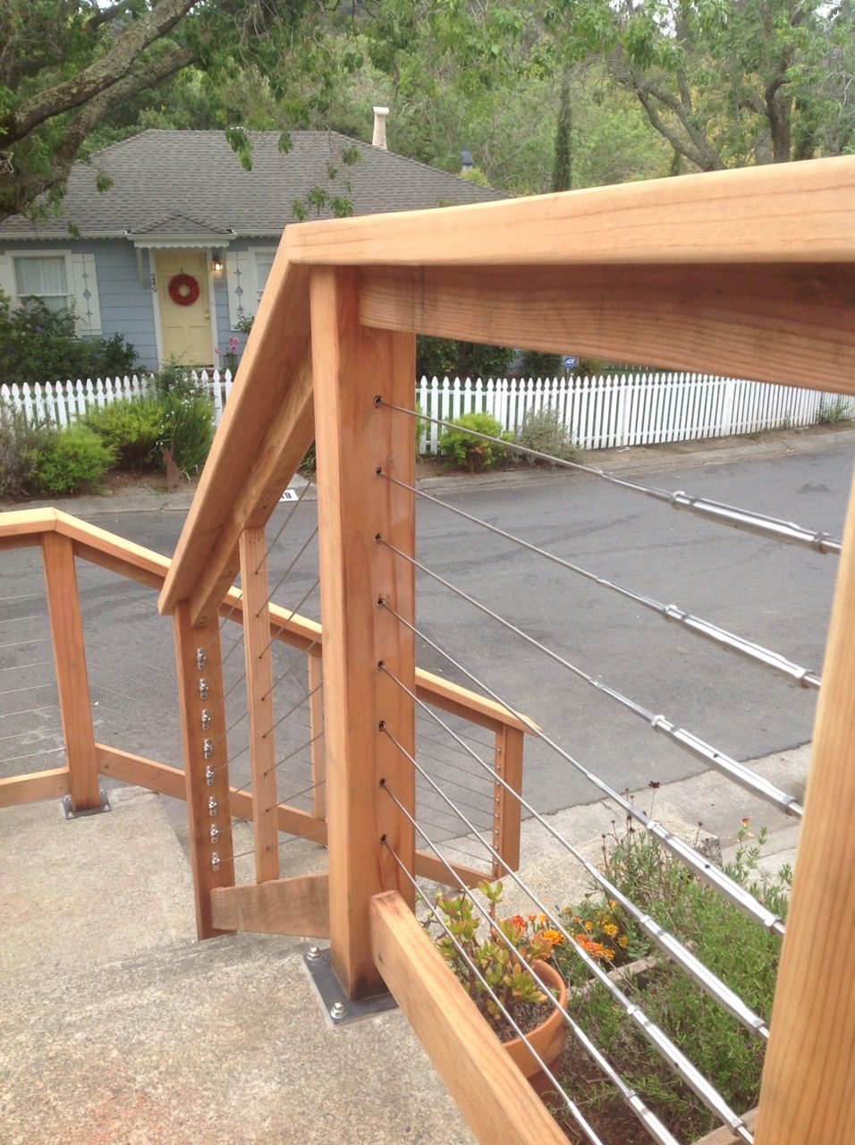 REDWOOD CABLE RAIL