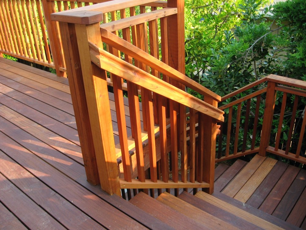 REDWOOD VERTICAL PICKET RAILING STAIRS