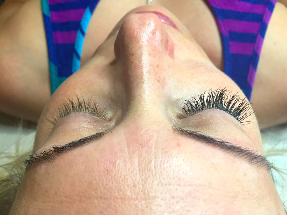 Left is the natural lash, the right is after the eyelash extension application.