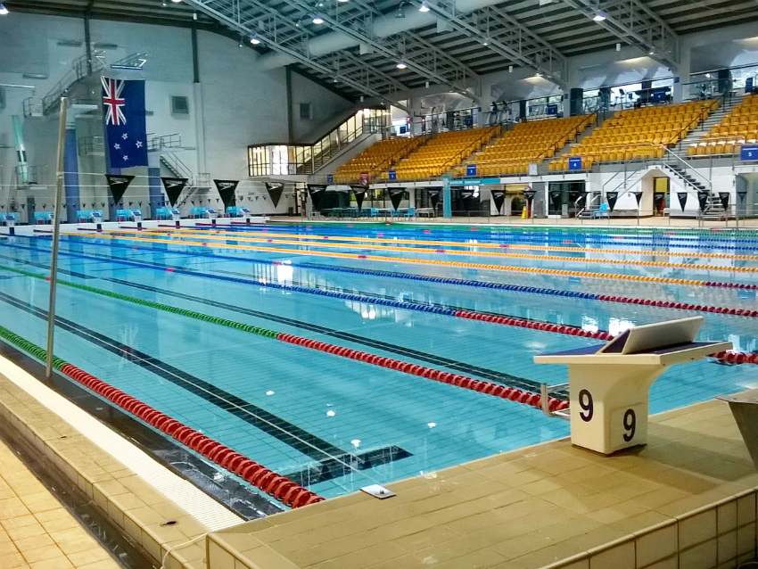 A quiet WRAC pool with lane dividers.