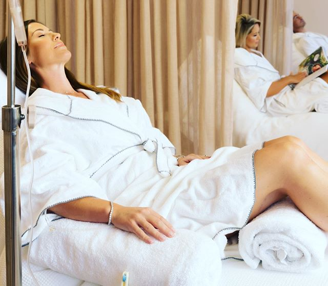 Feeling tired, run down, stressed or overwhelmed? Well then an IV vitamin infusion might just be the answer to your pre-Christmas prayers. Pop in and see me for a customised consultation and treatment xx #kailowellness #doctoredwina #thecalile #ivtherapy #vitamininfusion #destress #wellness
