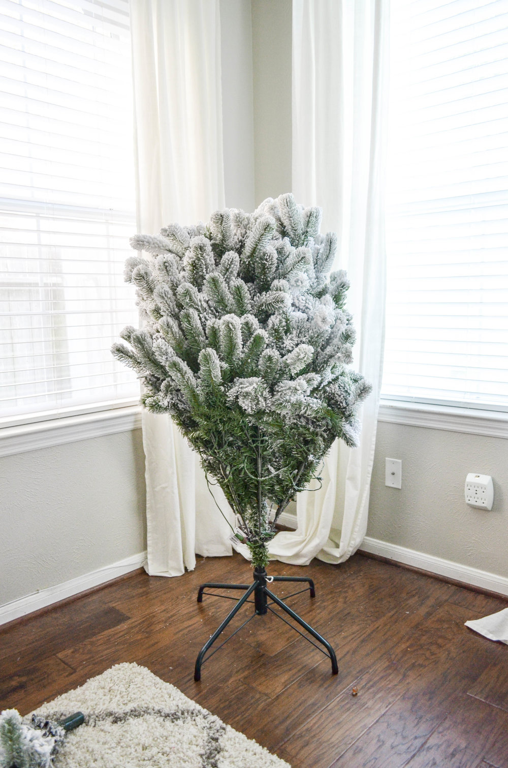 King of Christmas Flocked Tree Review