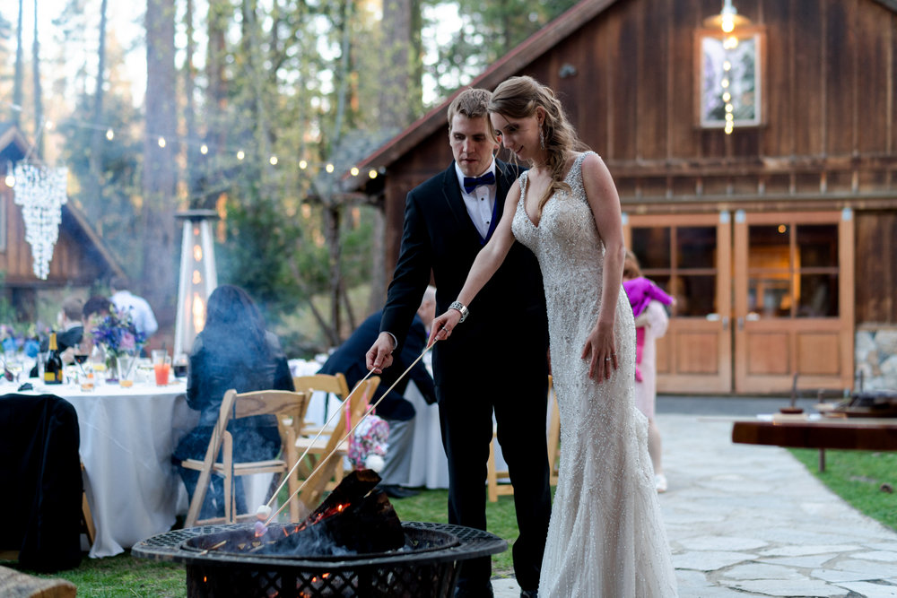 yosemite-evergreen-lodge-wedding-emilychris (66).jpg