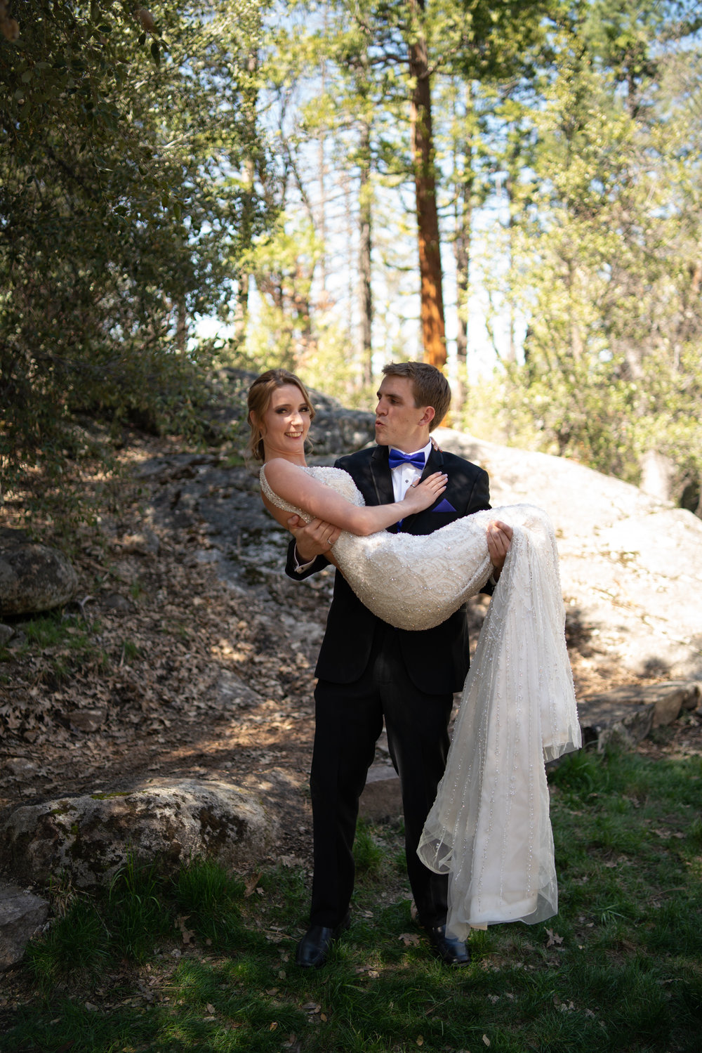 yosemite-evergreen-lodge-wedding-emilychris (164).jpg