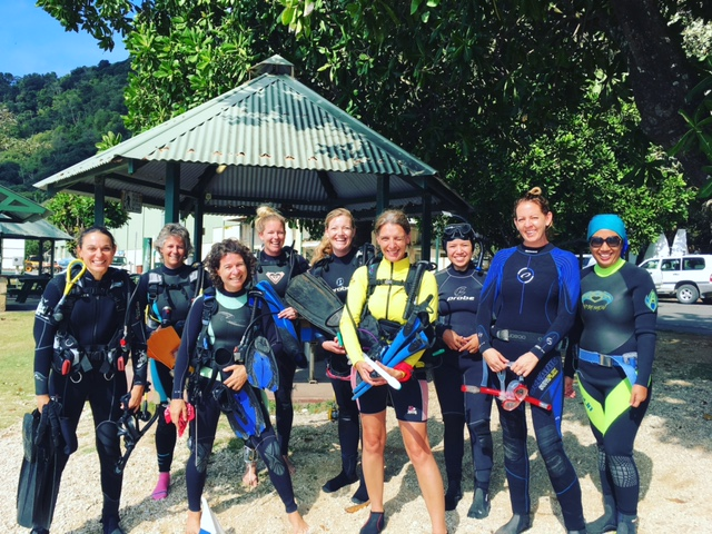 Thanks to this awesome bunch of #womendivers