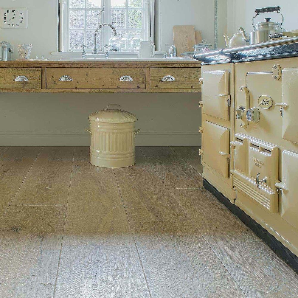 3 Generations wide oak boards bianca Tudor.jpg
