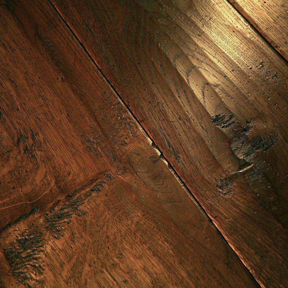 Oak flooring for underfloor heating