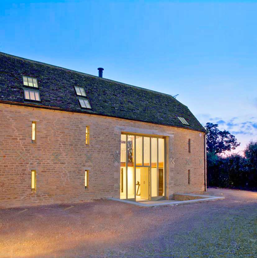 Historical Barn Conversion Cotswolds04.jpg