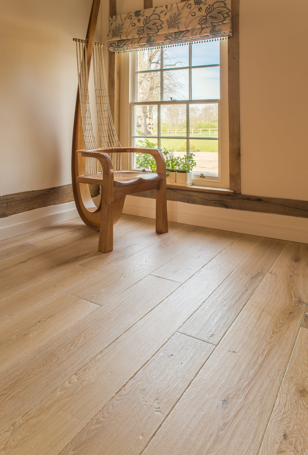 Underfloor heating for wooden floors