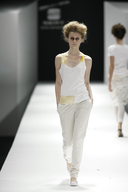 Lara_Torres_2007_MIMESIS_I_desfile16.JPG
