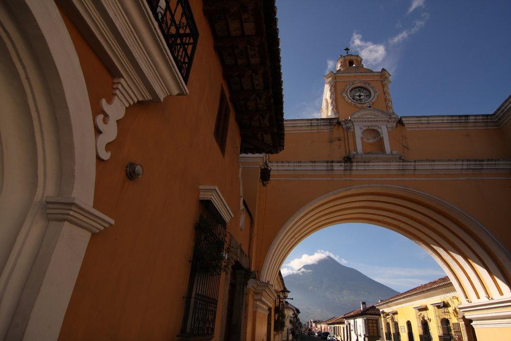 Antigua ist der authentischste, bunteste und kreativste Ort hier finden Sie die reiche Kultur Guatemalas.