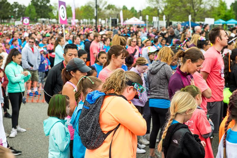 Girls-on-the-run-volunteering-17.jpg