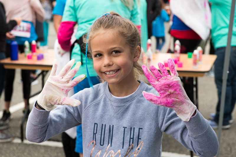 Girls-on-the-run-volunteering-15.jpg