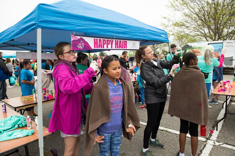 Girls-on-the-run-volunteering-12.jpg