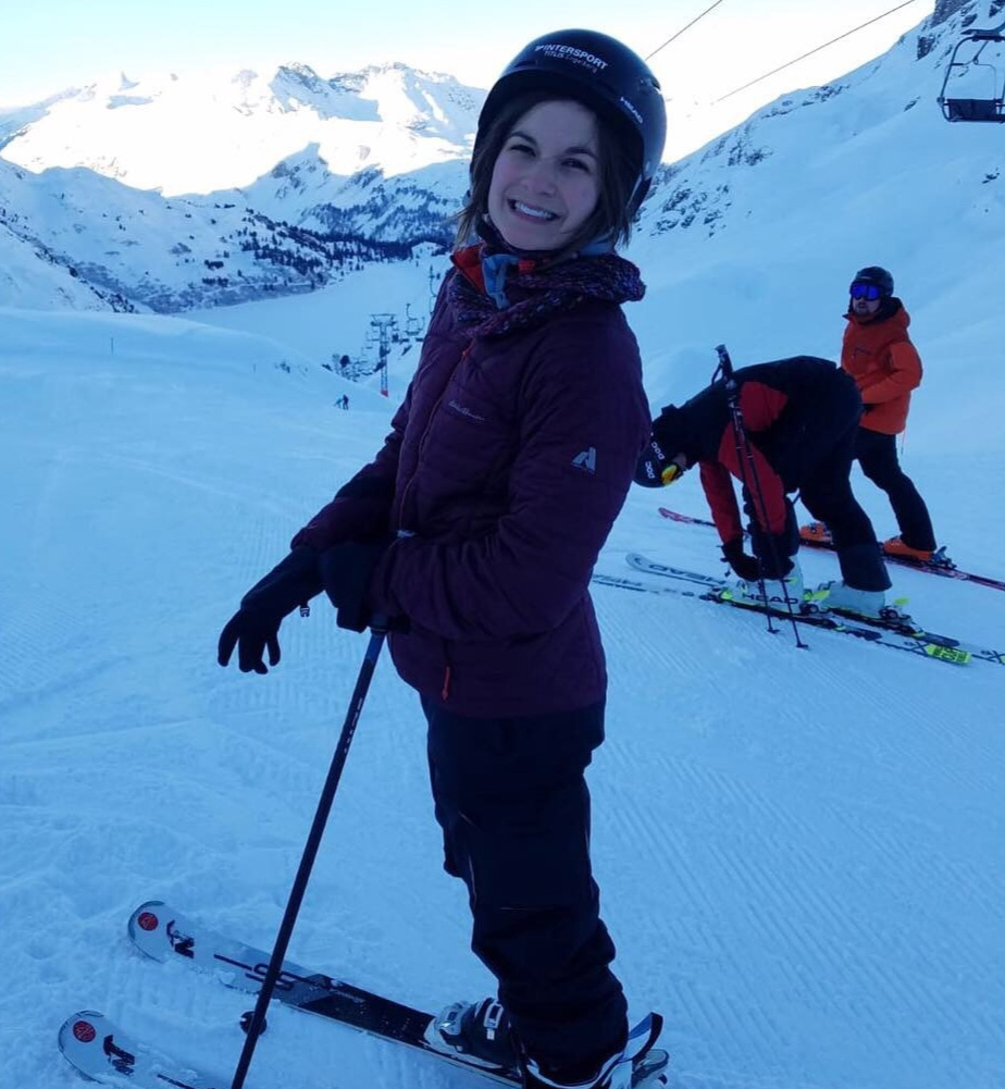 Moira+Skiing.jpg