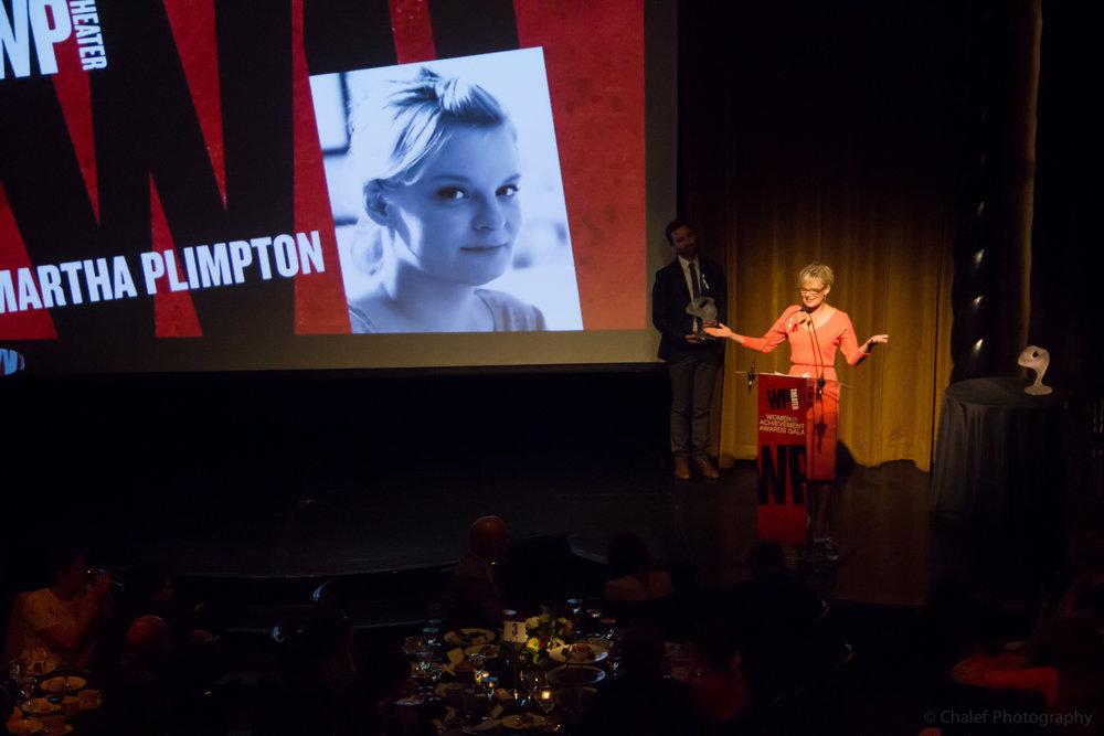 Martha Plimpton accepts award (c) Talya Chalef.jpg
