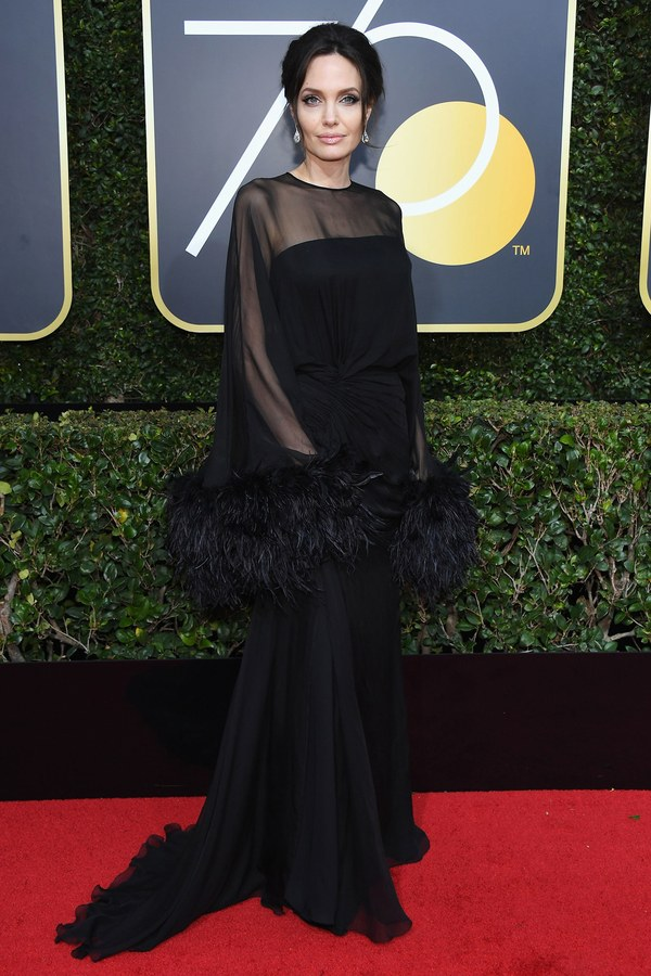 Angelina Jolie Golden Globes 2018.jpg