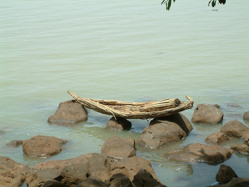 Papires boat at Lake tana.JPG