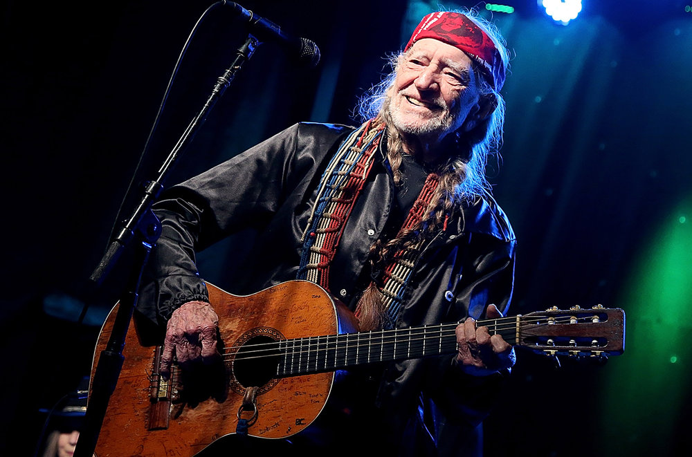 willie-nelson-performance-live-billboard-1548.jpg