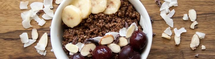chocolate-quinoa-breakfast-bowl.jpg