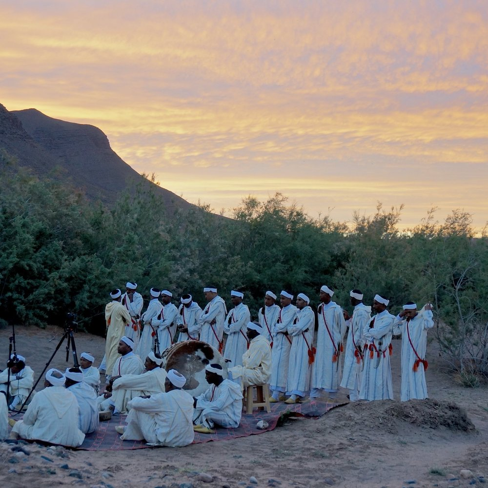 Ferqa Ahwach Agdz   (Morocco) - From a town tucked behind stunning sceneries of beautifully eroded mountains and oases, hails this group, carrying the torch of the most complex of all Amazigh traditions.