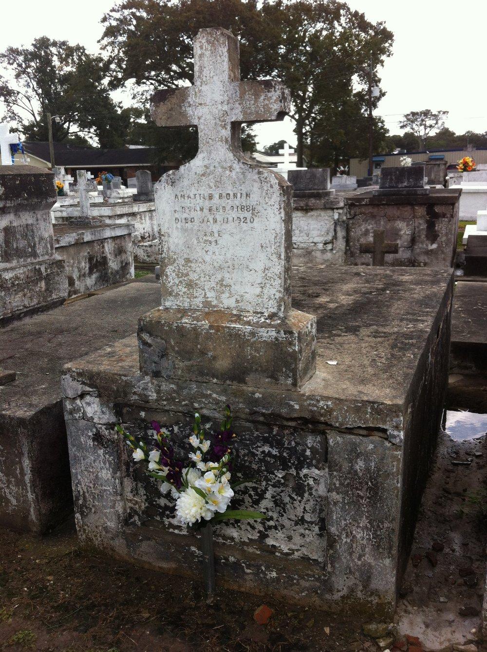 Louisiana Tomb - Before