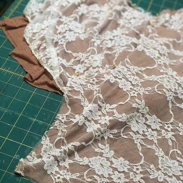 Eeeeeek, kinda jazzed about this lacey thaaaang I'm making🙌🏻 🎀 #livingladydesigns #sassy #pretty #lace #lacey #creamlace #taupe #ruffles #ruffley #sweetandsassy #p4p #m4m #peplum