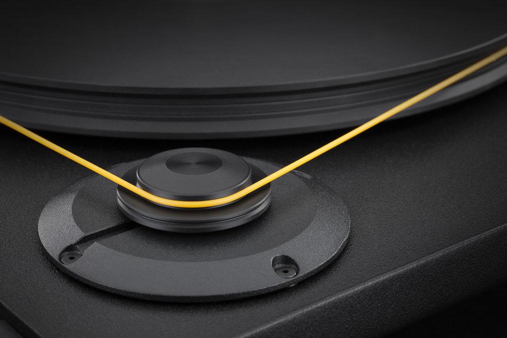 Mobile Fidelity StudioDeck Motor Platter Detail