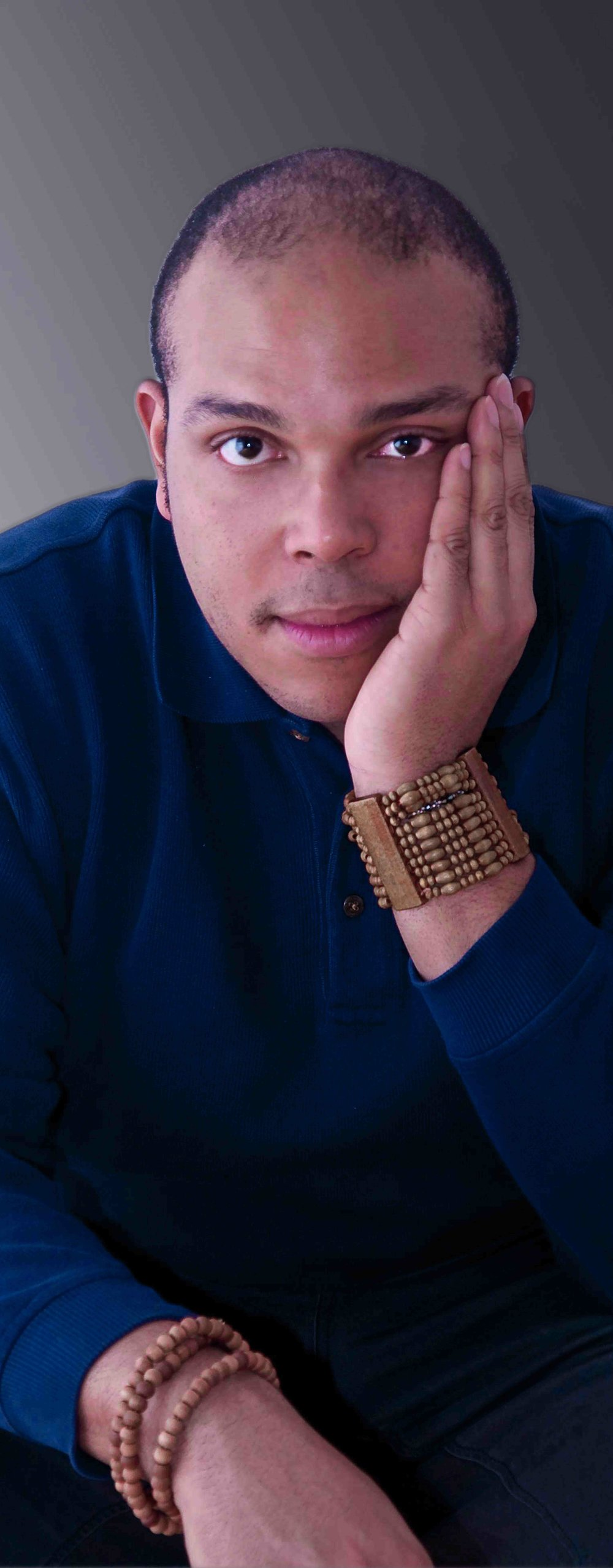 - Aurin Squire is an award-winning playwright, journalist, and multimedia artist. Squire is honored to be the inaugural recipient of the Emerald Prize at Seattle Public Theater. Last year his dramas