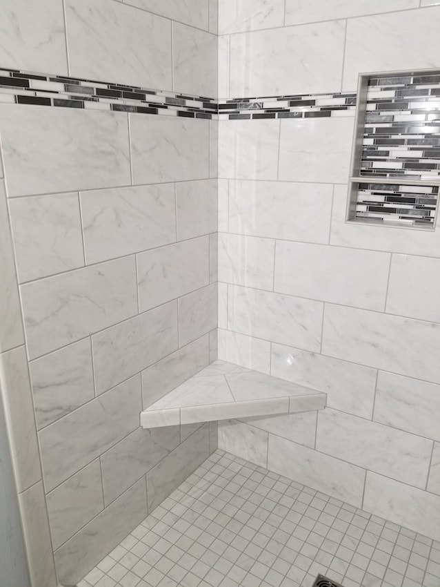 brandon-alderfer-bathroom-shower-tile-2-d-_-s-flooring-min.jpg