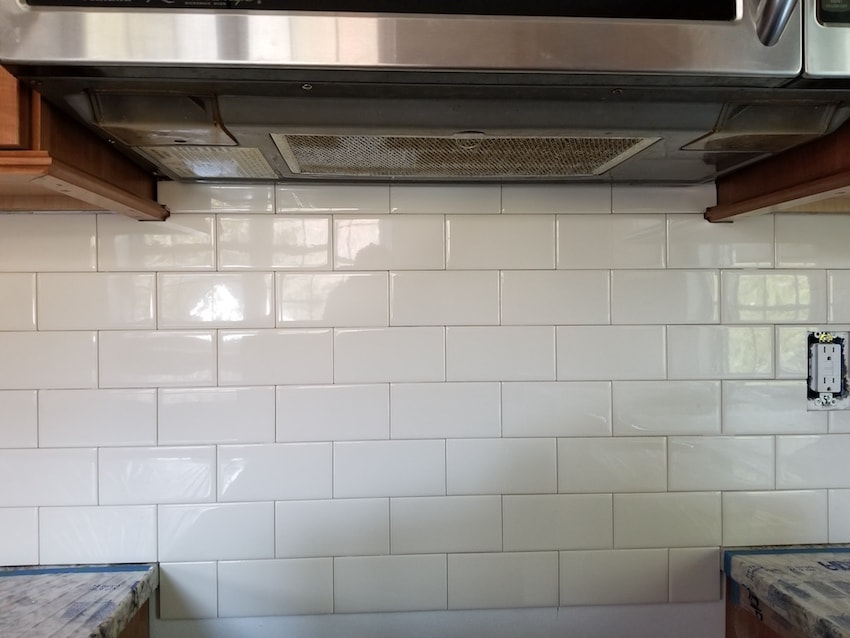 brandon-alderfer-kitchen-backsplash-subway-tile-1-d-_-s-flooring-min.jpg