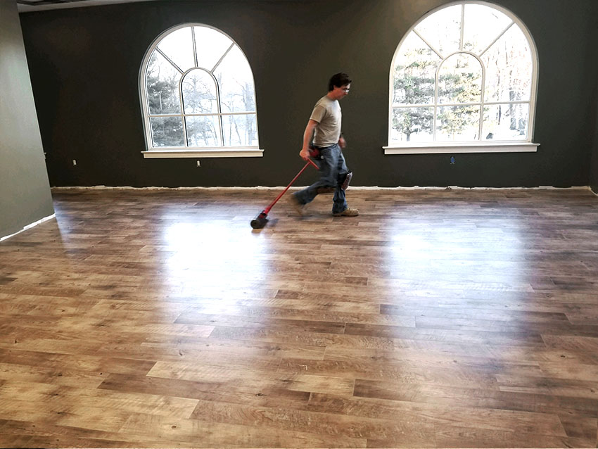 josh-plank-sight-and-sound-mannington-adura-LVP-4-mailchimp-web-january-2018-edit-d-&-s-flooring.jpg
