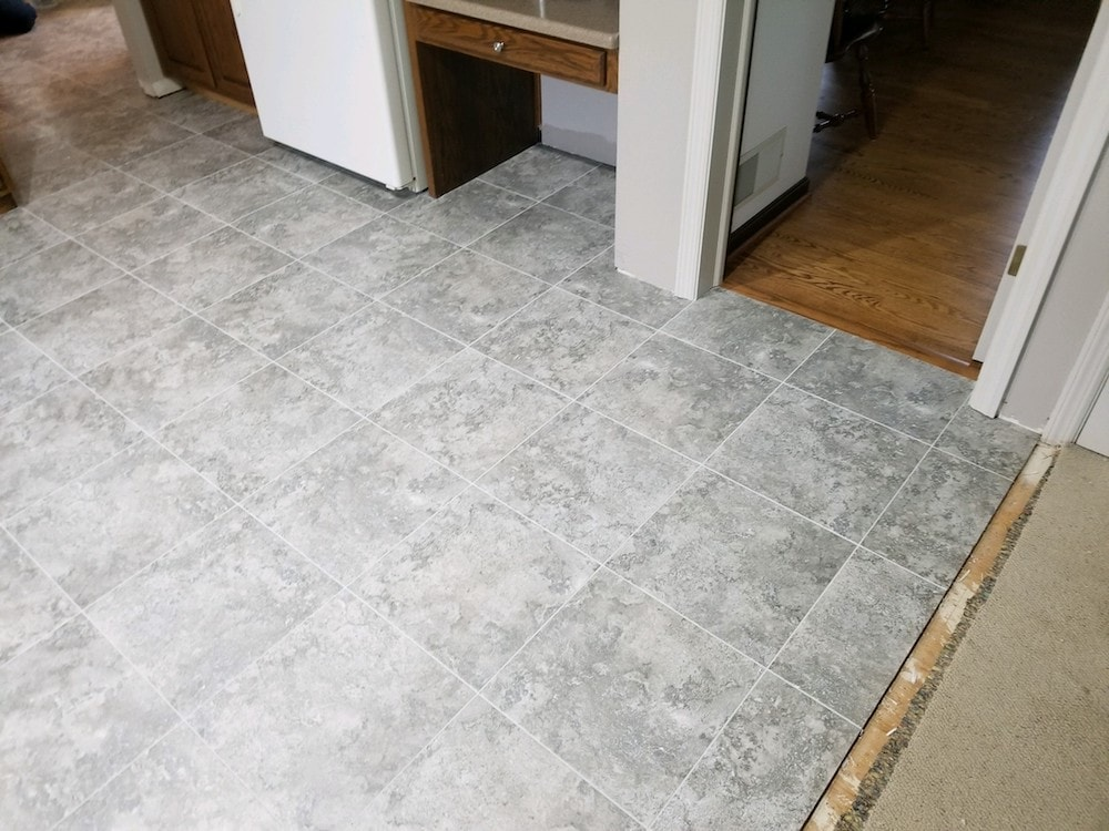 josh-plank-jason-snyder-kitchen-manheim-3-armstrong-alterna-dove-gray-mist-grout-d&s-flooring-20180531_173113 copy-min.jpg