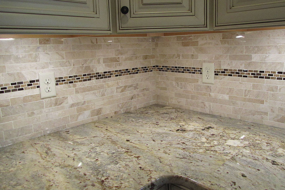 mike-marinari-1024-IMG_0910-kitchen-tile-backsplash-D&S-flooring.jpg