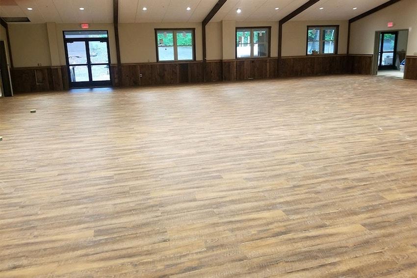 josh-plank-woodcrest-retreat-vinyl-850-d&s-flooring-20180516_183808-min.jpg