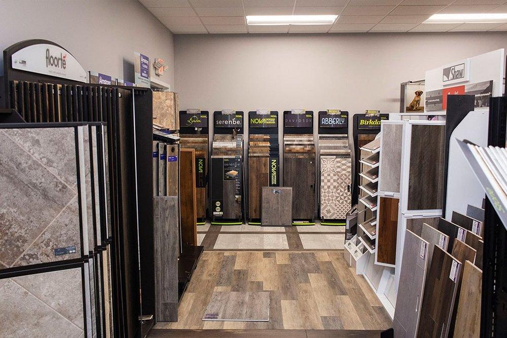 IMG_9800-vinyl-room-showroom-dandsflooring-min.jpg