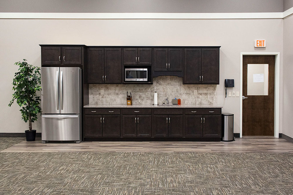 IMG_8647-web-kitchen-backsplash-lvp-vinyl-plank-wood-look-new-holland-transport-september-2018-dandsflooring.jpg