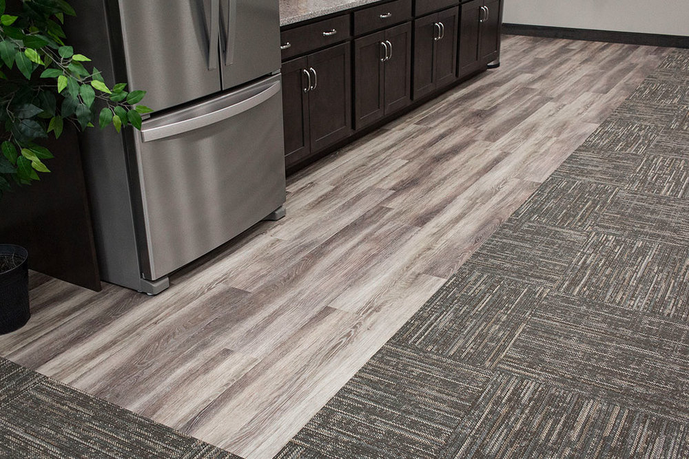 IMG_8649-web-kitchen-lvp-vinyl-plank-wood-new-holland-transport-september-2018-dandsflooring.jpg