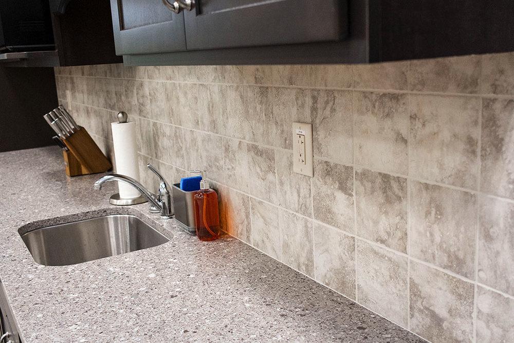IMG_8652-web-kitchen-tile-backsplash-new-holland-transport-september-2018-dandsflooring.jpg
