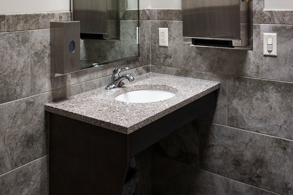IMG_8661-web-tile-wall-bathroom-new-holland-transport-september-2018-dandsflooring.jpg