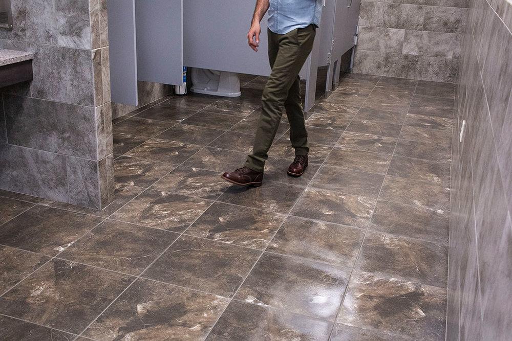 IMG_8674-web-tile-floor-bathroom-new-holland-transport-september-2018-dandsflooring.jpg