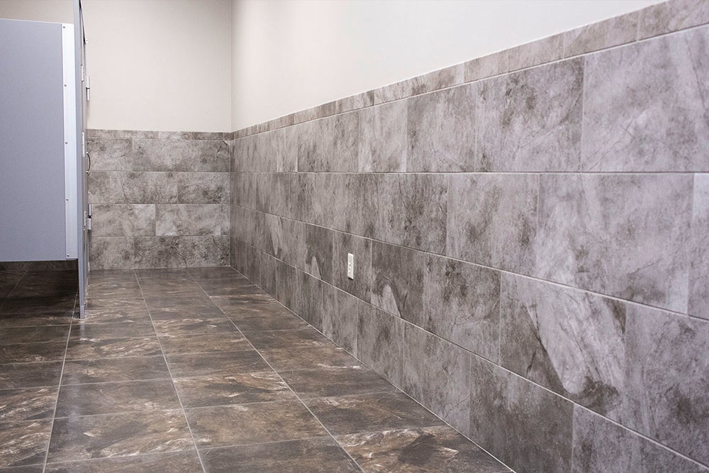 IMG_8676-web-tile-floor-bathroom-new-holland-transport-september-2018-dandsflooring.jpg