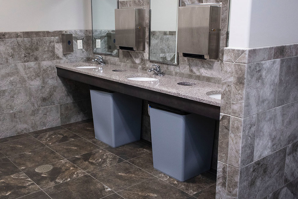 IMG_8679-web-tile-floor-bathroom-new-holland-transport-september-2018-dandsflooring.jpg