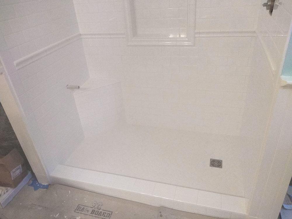 jason-snyder-tile-shower-1-web-lee-february-2019-dandsflooring.jpg