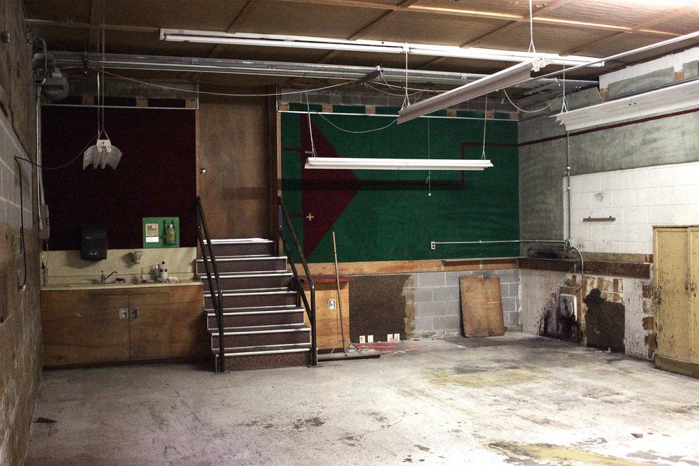 6711-1-before-carpet-room-showroom-december-2017-dandsflooring.jpg