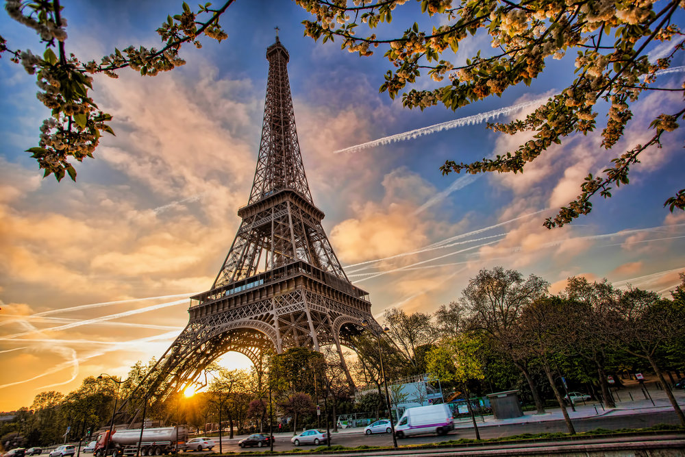 7.How many parts? - There are 18,000 metal parts held together by 2.5 million rivets while 20,000 light bulbs illuminate the Eiffel Tower in Paris. That sure is a lot of Legos! (The Eiffel Tower Lego Set actually has 3,428 pieces.)