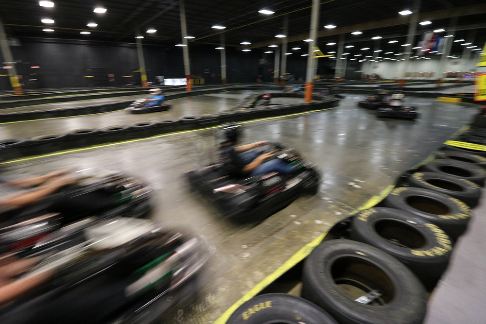 MINI PRIX - A 6-minute practice session, followed by an 8-minutequalifying session determines the race position forthe final heat. All karts are lined up in grid formationas drivers compete in a final 10-minute race to thecheckered flag.