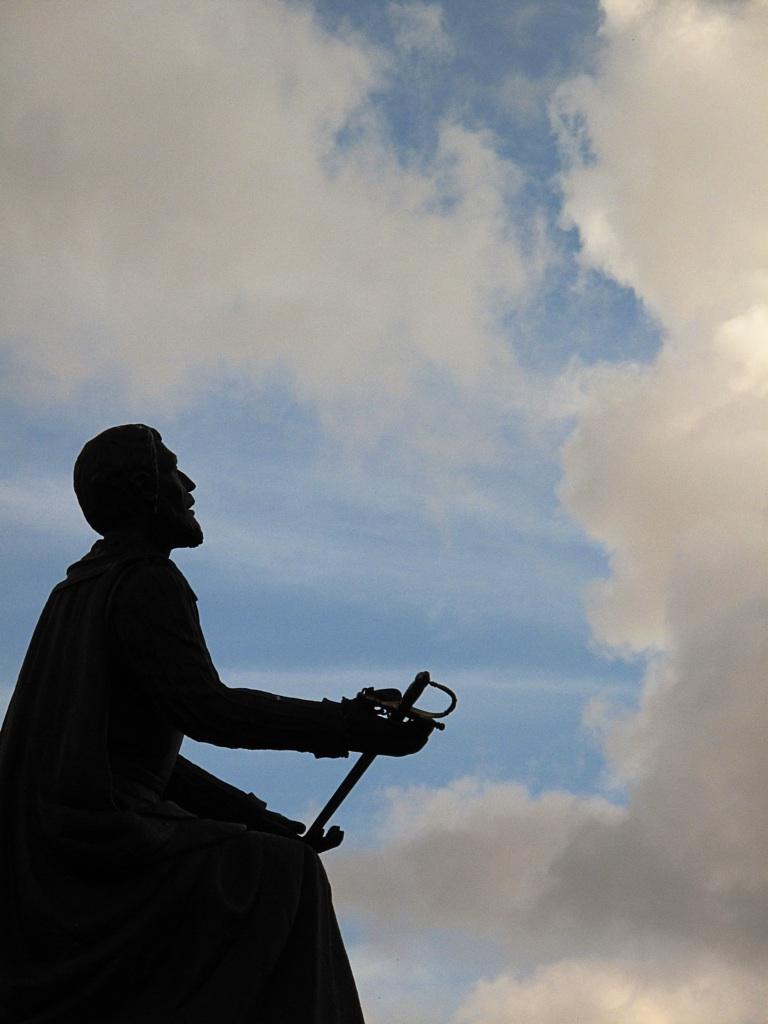 Ignatius relinquishing his sword. Image Credit: pinaytraveller.com